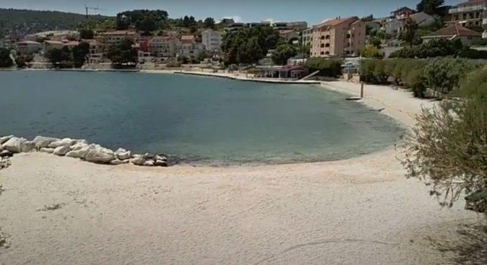 pralisce beach croatia